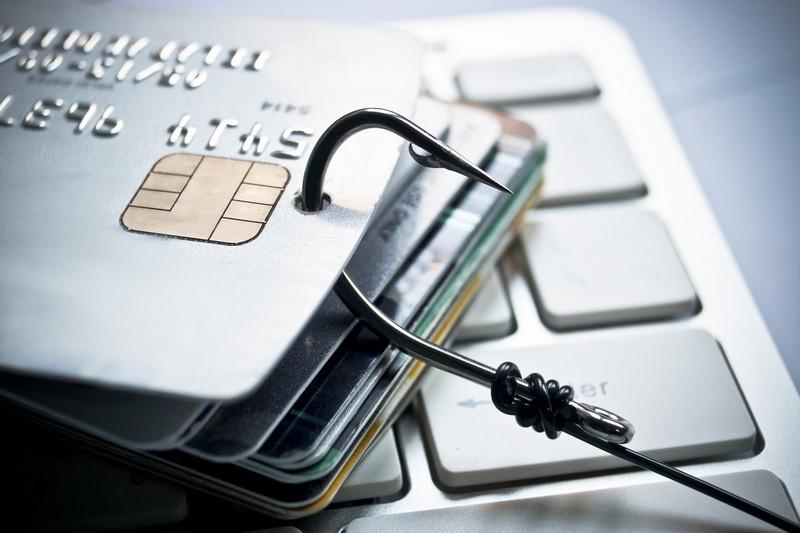 Как приставы ФССП снимают деньги с карты при задолженности