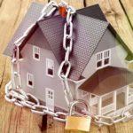 Как уберечь вторую квартиру от ареста приставами ФССП